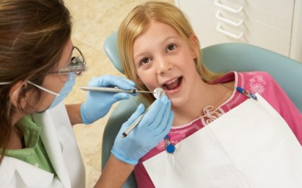 lakowanie-zebow-stomatologia-nad-sudolem