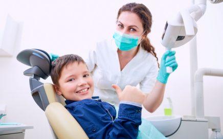 dziecko na wizycie u ortodonty